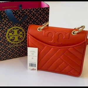 💯authentic Tory Burch cross bag wear like new
